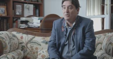 El Gobierno nombra al poeta Luis García Montero al frente del Cervantes
