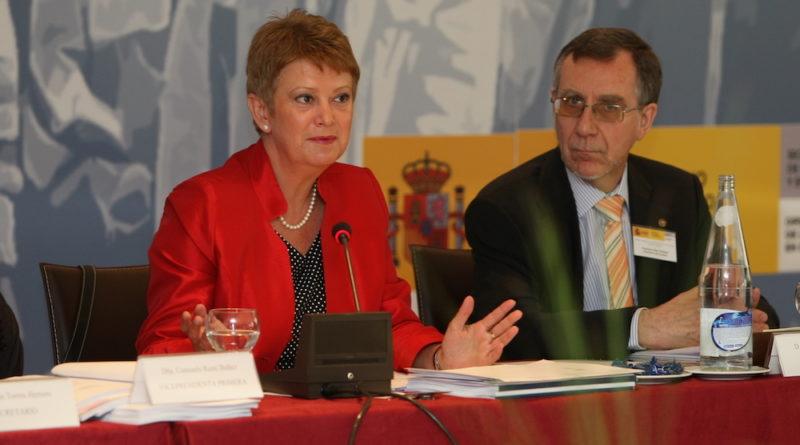 Consuelo Rumí con Francisco Ruiz en el Consejo General de la Ciudadanía Española en el Exterior